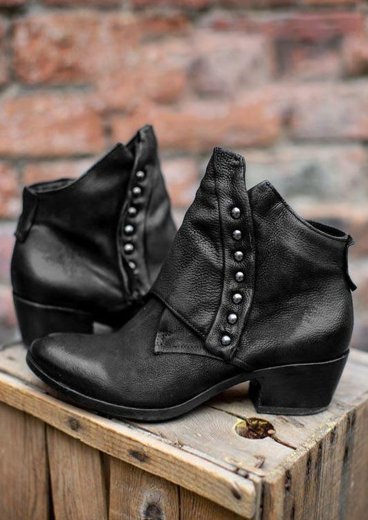 Boots Rivet Slip On Round Toe Chunky Heel Ankle Boots in Black. Size: 37,38,39,40,41
