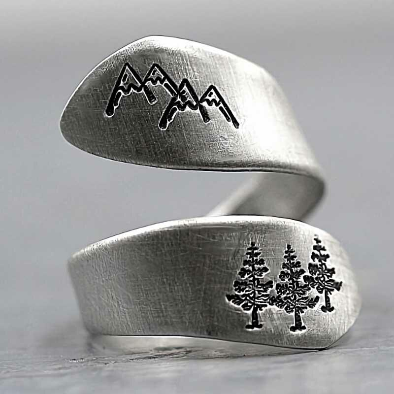 Vintage Christmas Tree Mountain Engraved Wrap Ring