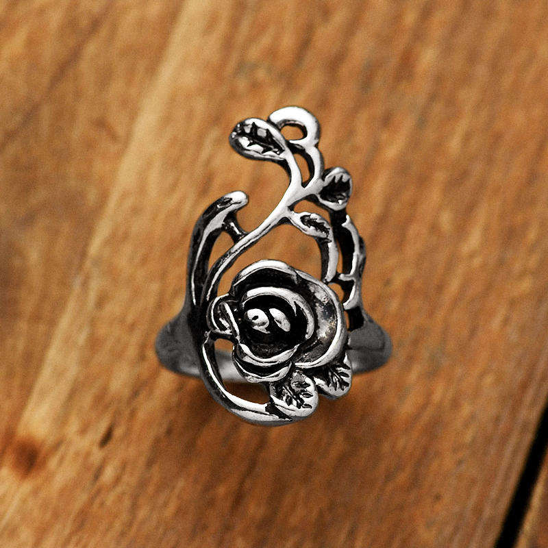Vintage Hollow Out Flower Alloy Ring - Silver