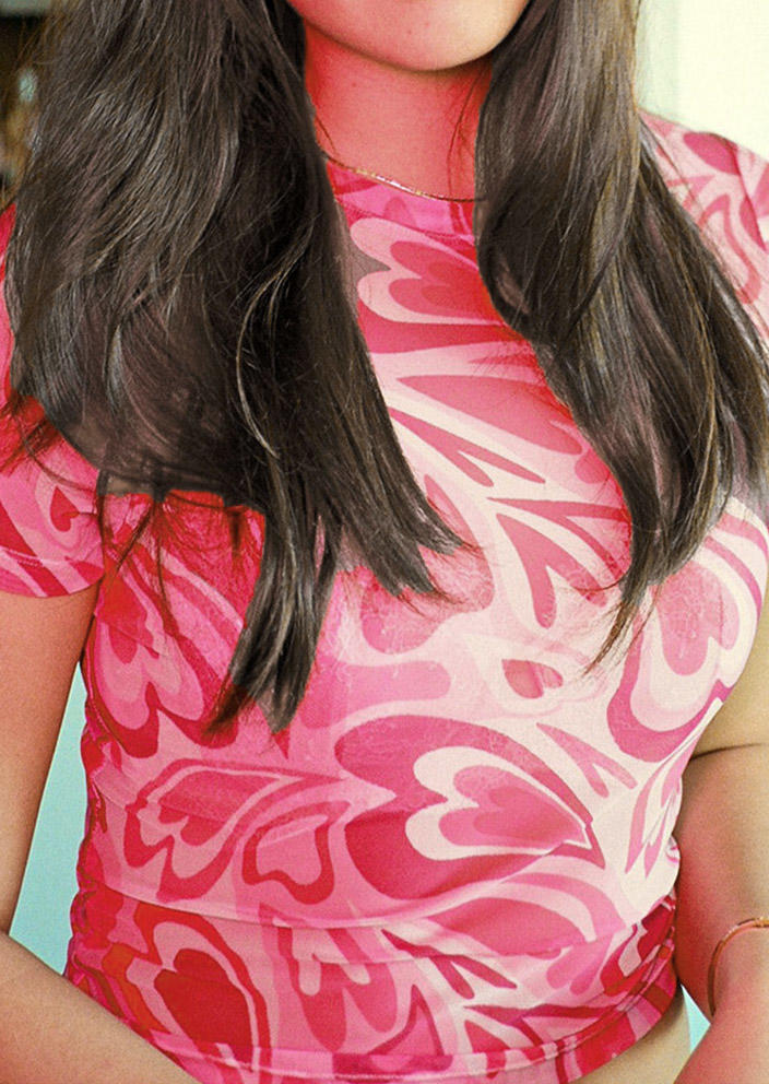 Peach Heart O-Neck Slim Crop Top - Pink