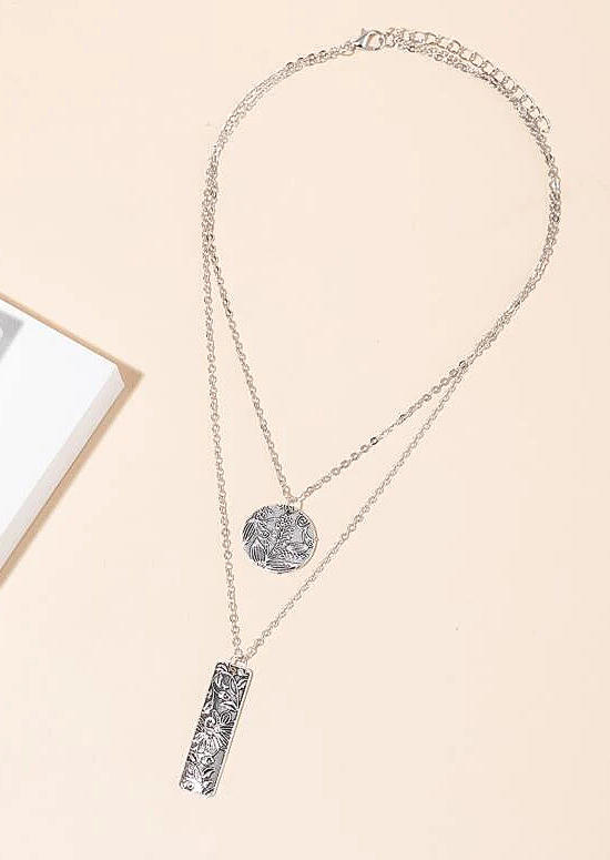 Double-Layered Floral Carving Necklace
