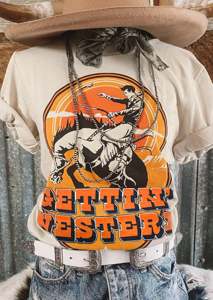 Gettin' Western Cowboy Horse T-Shirt Tee - Light Khaki