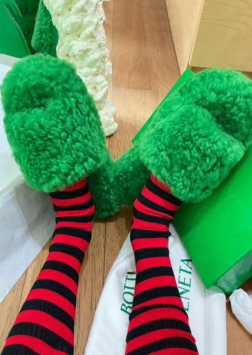 Christmas Fuzzy Round Toe Flat Slippers - Green